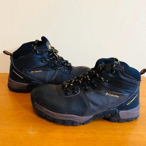 COLUMBIA Youth Boys Trail Boots Size 4 Waterproof